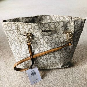 CK new purse, white ♥️
